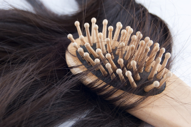 Выпадение волос при гипотиреозе: лечение, причины и способы это предотвратить