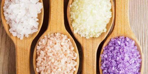 cкраб из меда и соли для лица – полезные свойства и рецепт медово-солевого пилинга, правила применения