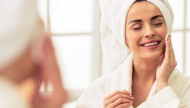 После пилинга красное лицо – что делать и какие причины, как убрать красноту после чистки у косметолога