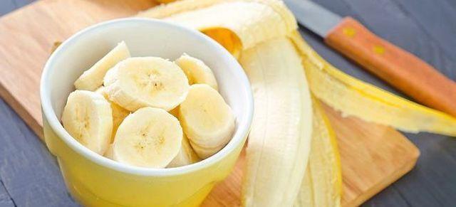 Банановая маска для волос – рецепт приготовления и полезные свойства