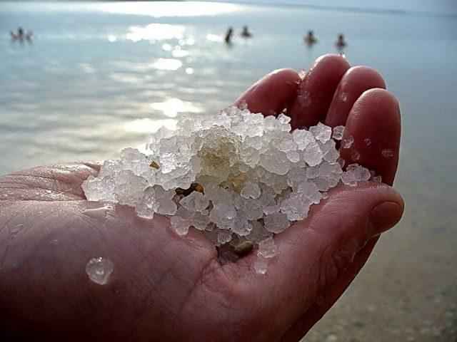 Спрей с морской солью – влияние текстурирующей аэрозоли на волосы, плюсы и минусы