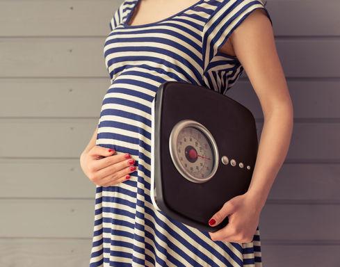 Можно ли делать мелирование при беременности – особенности процедуры и советы
