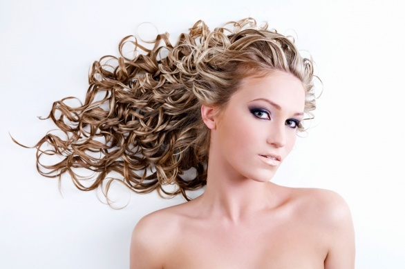 Вьющиеся волосы – как правильно ухаживать за такой шевелюрой