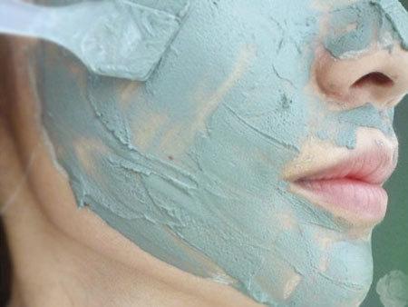 Голубая глина для лица – польза и состав, свойства и применение в косметологии, маски для кожи в домашних условиях