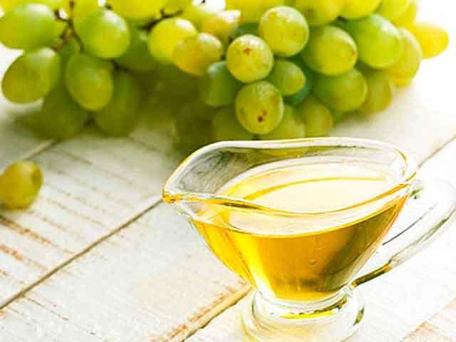 Масло виноградной косточки для волос – польза и вред, особенности применения и предостережения