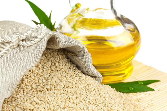 Кунжутное масло для волос – польза и применение продукта, домашние рецепты эффективных масок