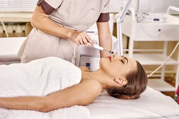 Гальваническая чистка лица – что это такое, плюсы и минусы гальванотерапии, правила дезинкрустрации кожи
