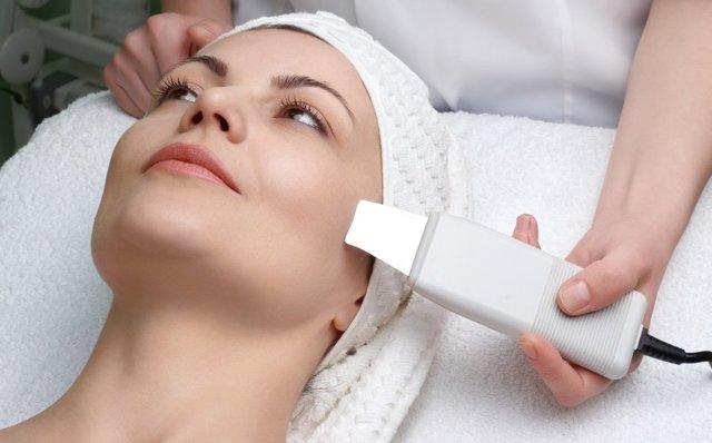 Ультразвуковая чистка лица – что такое УЗИ-пилинг и как часто его можно делать, выполнение в домашних условиях