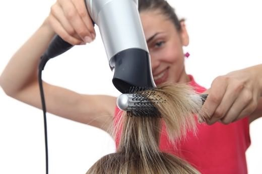 Окрашивание волос «Растяжка» – особенности техники и подбор краски, плюсы и минусы