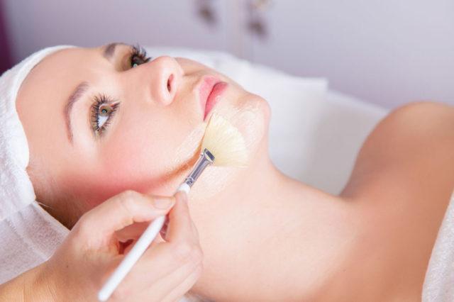 Уход за лицом после химического пилинга – как ухаживать за кожей и что нельзя делать после чистки
