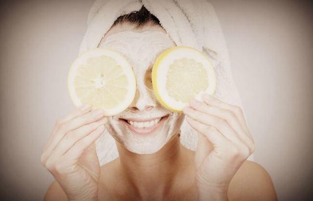 Витамин С для лица – полезные свойства и применение в косметологии, формы выпуска и рецепты масок