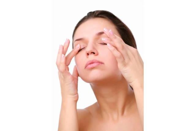 Лифтинг под глаза и кожи вокруг – способы подтяжки и избавления от мешков в домашних условиях