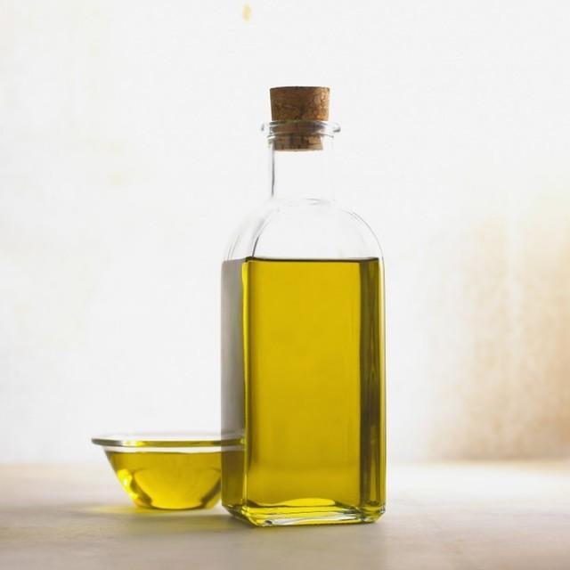 Репейное масло для лица – применение в косметологии против морщин и прыщей, можно ли им мазать кожу вокруг глаз