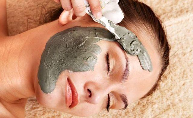 Как избавиться от прыщей на лице в домашних условиях – от чего появляются, лечение акне и угревой сыпи