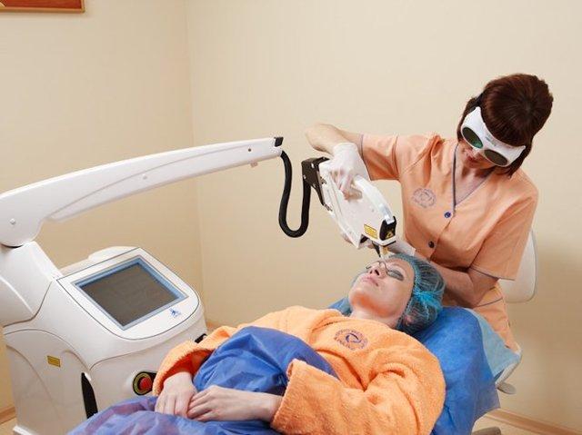 Наноперфорация лица – техника выполнения процедуры, реабилитация и противопоказания
