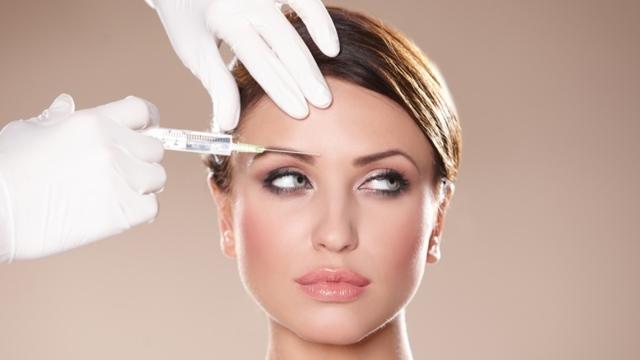 «Ботокс» для лица – показания для инъекций и последствия уколов, применение в домашних условиях