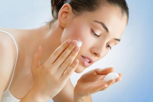 Гель-пилинг для лица – что это такое и как его применять, особенности такой чистки кожи и результат