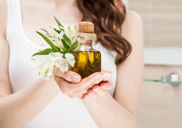 Масло мяты для волос – полезные свойства и влияние на шевелюру, способы применения и рецепты масок