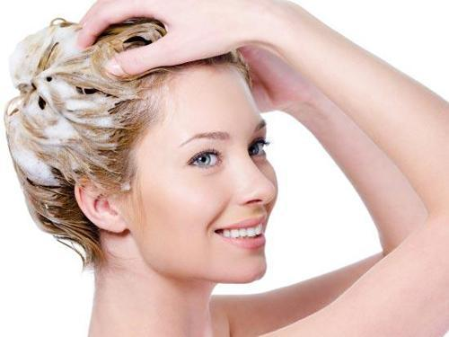 Нужно ли мыть голову перед мелированием – в чем особенность процедуры