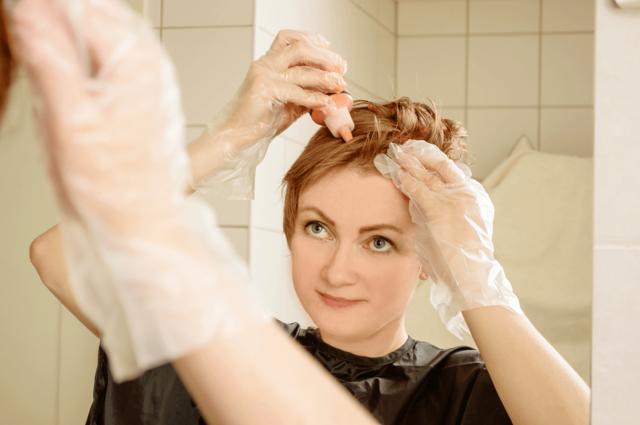 Нужно ли мыть голову перед окрашиванием – особенности покраски мокрых и сухих волос
